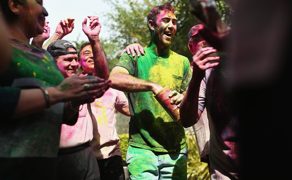 Glenn Maxwell celebrates Holi Festival of Colours with Chandigargh locals ahead of the ICC WT20 match between Australia and Pakistan on March 24, 2016. Getty Images