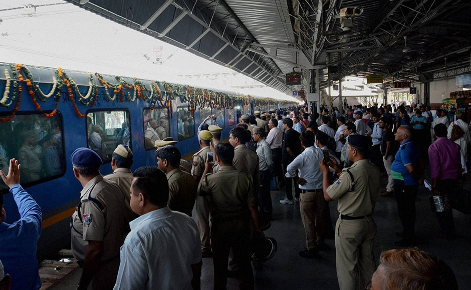 Agra: The newly launched Gatiman Express reaches the Agra Cantt station from New Delhi's Hazrat Nizamuddin station, covering the distance in 100 minutes, in Agra on Tuesday. PTI Photo