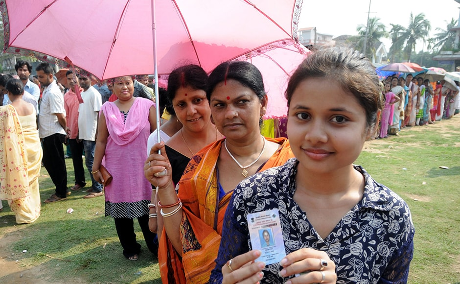 There are a total of 1,04,35,277 voters eligible to cast their ballot in the second phase. Of these, 50,440,51 voters are women and 22 are third gender. PIB