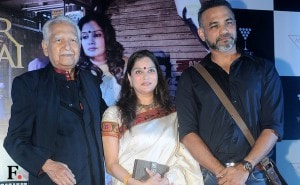 Ramesh, Smita and Abhinay Deo on stage.<br />Image by Sachin Gokhale/Firstpost