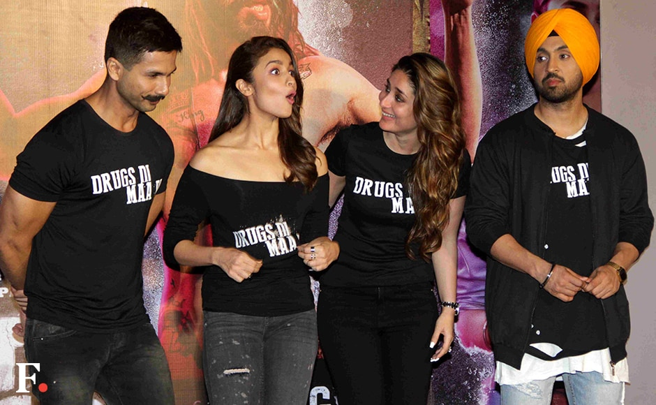 Shahid Kapoor, Alia Bhatt, Kareena Kapoor and Diljit Dosanjh at the launch of the first look of Udta Punjab. The movie is expected to release on 17 June. Sachin Gokhale/Firstpost