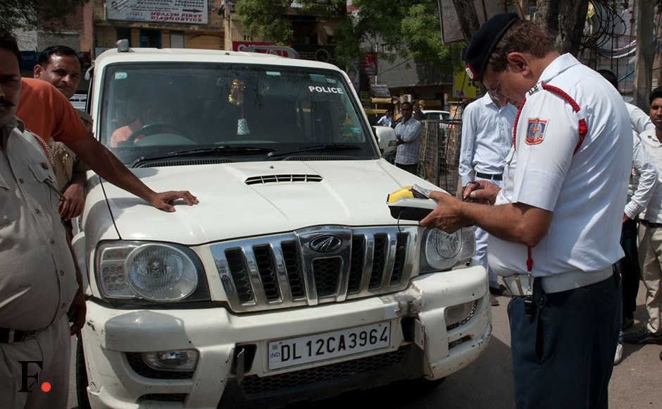 The second phase of odd-even car rationing on the first day saw many violators. Police personnel were seen checking the violators and fining them for breaking the rules. The government has also decided to shift its focus from awareness to strict enforcement. Nearly 2,000 traffic police personnel are on duty, regulating traffic as well enforcing the scheme. Firstpost/Naresh Sharma