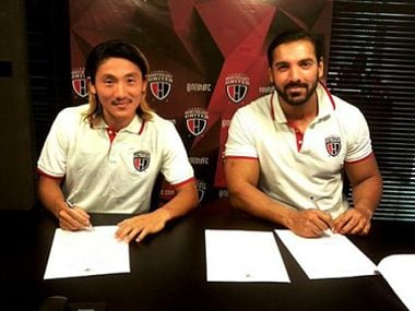 Katsumi Yusa with owner of NorthEast United FC, John Abraham. Image Courtesy: Twitter