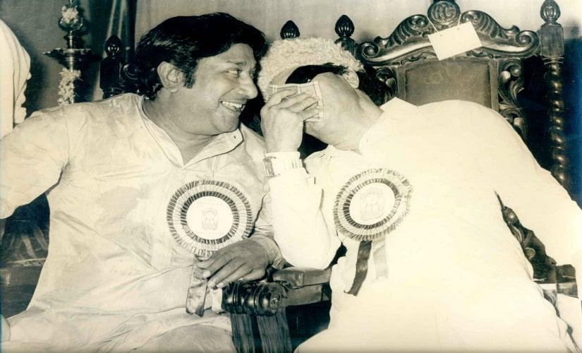 AIADMK founder MG Ramachandran with actor Shivaji Ganesan