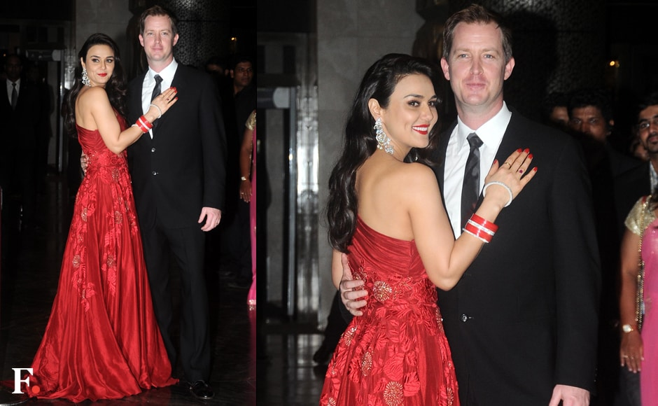 Preity Zinta poses with hubby Gene Goodenough at her grand reception. Firstpost/Sachin Gokhale
