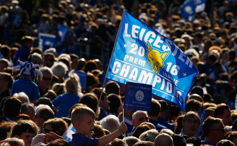Fitting end to their fairytale season! Leicester City fans celebrating during the parade. Action Images via Reuters / Jason Cairnduff Livepic