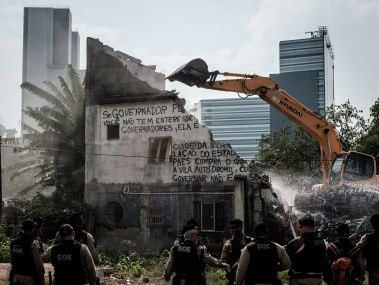 A house in Rio de Janeiro near the construction site of the Olympic Park. AFP