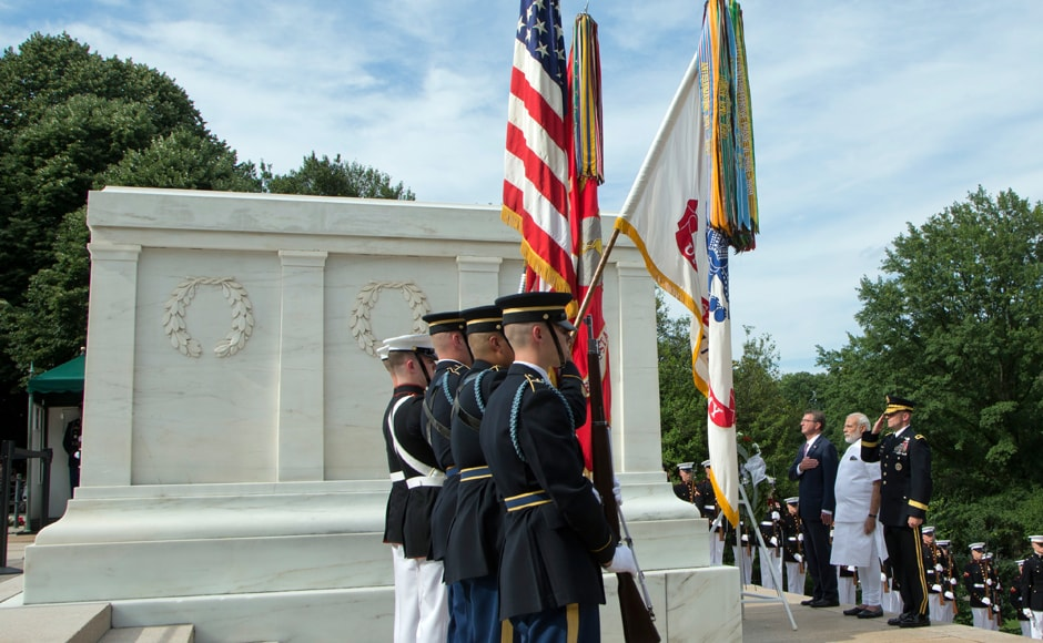 PM Narendra Modi with Secretary of Defense Ash Carter and Maj Gen Bradley Becker lays a wreath at the Tomb of the Unknowns at Arlington National Cemetery. AP