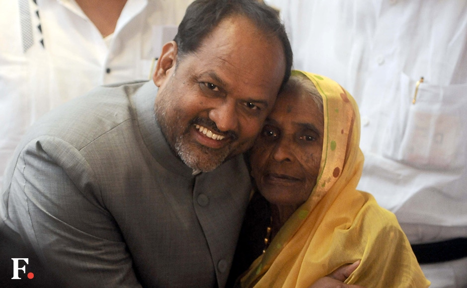 Cabinet Minister Mahadeo Jankar poses with his mother Sonabai, 91, after the oath taking ceremony. Sachin Gokhale/Firstpost