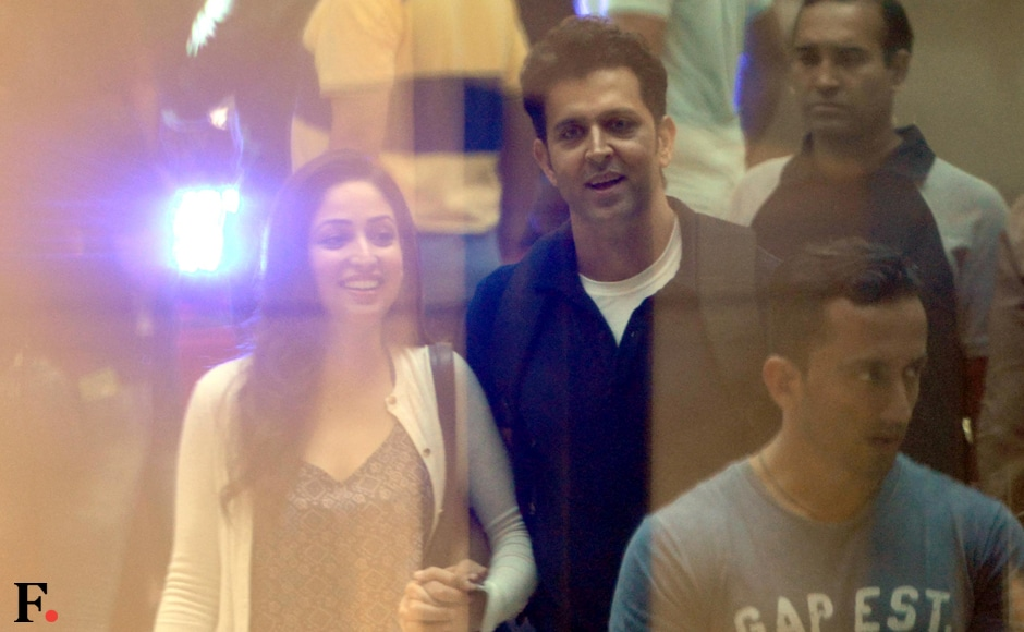 Hrithik Roshan was seen shooting for Sanjay Gupta's movie <em>Kaabil</em> with co-star Yami Gautam at Growell Mall, Kandivali on Monday. Sachin Gokhale /Firstpost