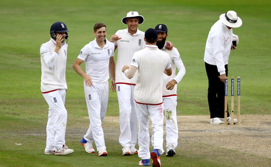 England players celebrate after the dismissal of the last Pakistani batsman, completing a 330-run victory to level the four-match series 1-1. AP