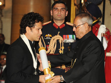 President Pranab Mukherjee presenting the Bharat Ratna Awards 2014 to Sachin Tendulkar at a Investiture ceremony in New Delhi on 4 February, 2014. Image courtesy PIB