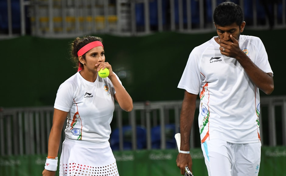 Indian duo of Sania Mirza and Rohan Bopanna entered the semi-finals of the mixed doubles, defeating Andy Murray and Heather Watson in straight sets. AFP