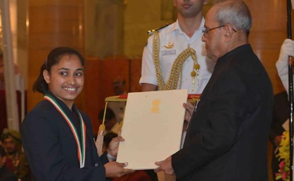 Dipa Karmakar grabbed a piece of history for herself with a fourth place finish in artistic gymnastics with her now famous Produnova vault at Rio Olympics. Pranab Mukherjee presents her with the Rajiv Gandhi Khel Ratna award. Image: PIB_India twitter handle