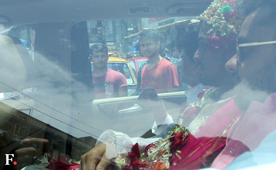 The garlanded Alishah is heading to the Rasool mosque for the nikah. Sachin Gokhale/Firstpost