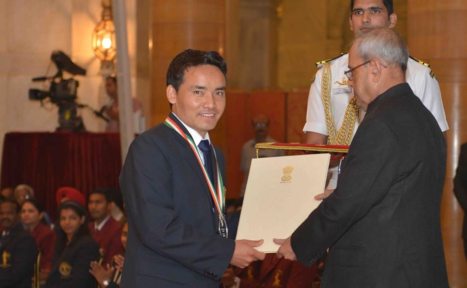 Shooter Jitu Rai was always a contender after consistently producing medal-winning performances in the last two years, including gold at the Asian and Commonwealth Games along with a silver at the World Championships. Jitu said that he was lucky to get the Rajiv Gandhi Khel Ratna award. Image Courtesy: PIB_India Twitter