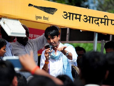 AAP in crisis: Is Kejriwal propping up Kumar Vishwas to showcase party's nationalist credentials?