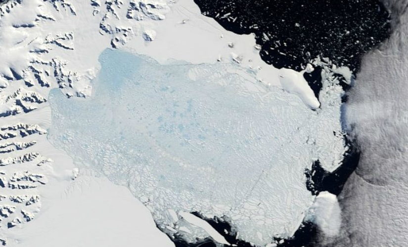 Collapse of the Larsen-B Ice Shelf. Picture credit: Nasa Earth Observatory.