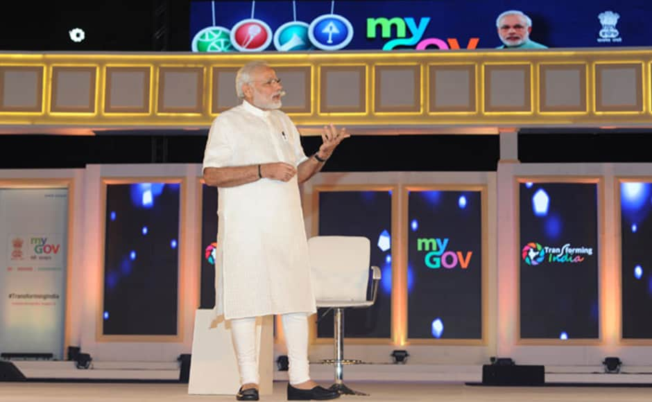 Modi called India as one of the fastest growing economies of the world and urged Indians to try to keep a growth rate of 8% for at least the next three years. Photo: PIB