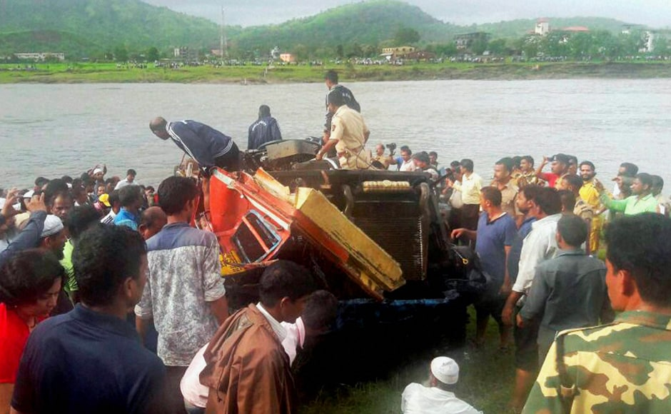 Spot diving was carried out despite presence of crocodiles, high current and tough conditions in the river. The Indian Navy team comprising personnel specialising in diving have been searching for the wreckage and survivors since the morning of 4 August. PTI