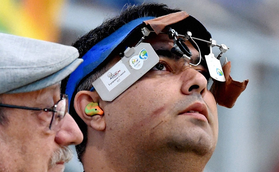 Gagan Narang failed to qualify in the Men's 50-metre Rifle prone finals after he finished 13th in the qualification round with a total of 623.1 points. PTI