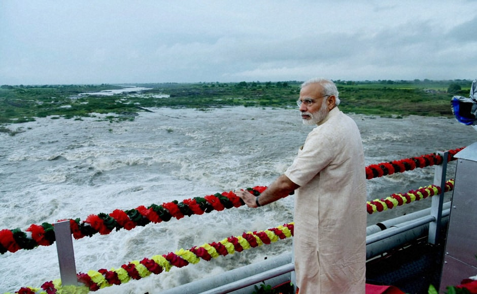 Modi at AJI-3 dam site of the project, in Jamnagar district. Modi had initiated the Saurashtra Narmada Avtaran Irrigation (SAUNI) in September 2012. PTI
