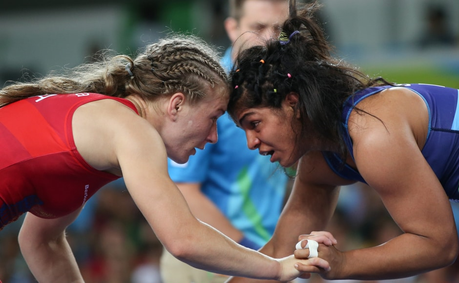 In the pre-quarters, Sakshi eked out a narrow 5-5 win over Mariana Cherdivara Esanu of Republic of Moldova. Reuters