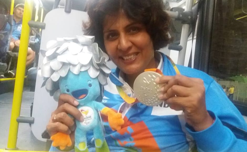 Deepa Malik poses with her silver medal. Image Courtesy: Facebook/DeepaMalik