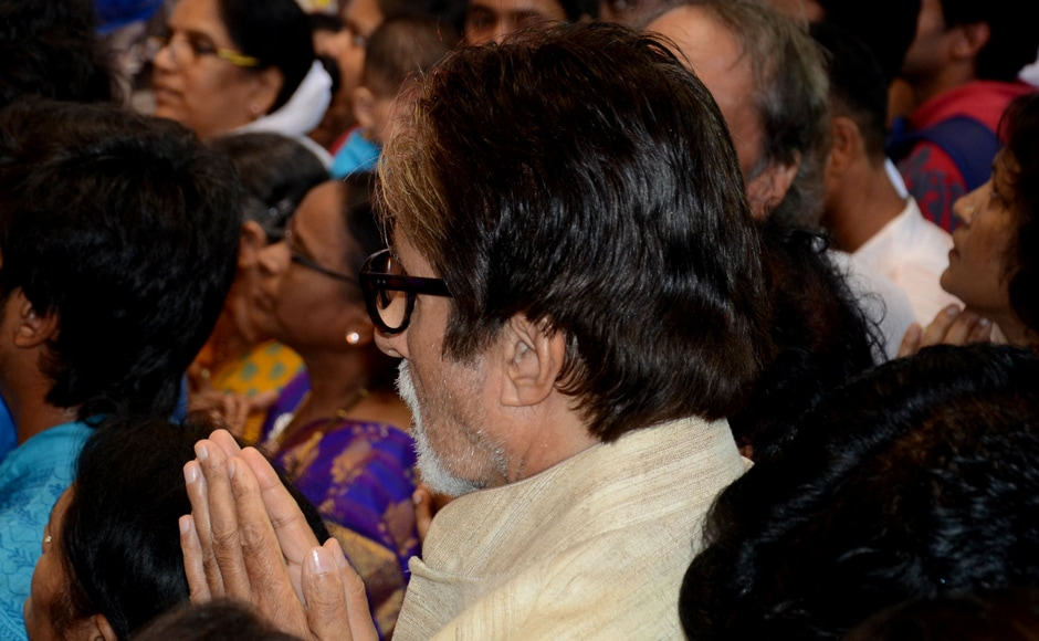Amitabh Bachchan can be seen praying. (SOLARIS IMAGES)