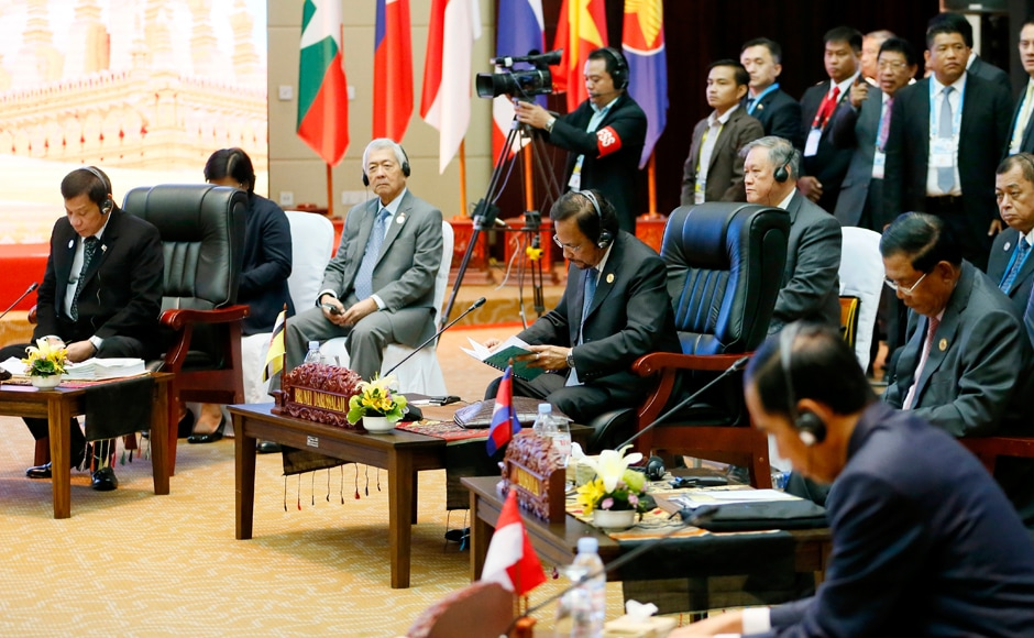ASEAN leaders, from left front row, Philippine President Rodrigo Duterte, Brunei Sultan Hassanal Bolkiah, Cambodian Prime Minister Hun Sen and Indonesian President Joko Widodo, look over their documents at the start of the retreat session in the ongoing 28th and 29th ASEAN Summits and other related summits at the National Convention Center in Vientiane, Laos. AP