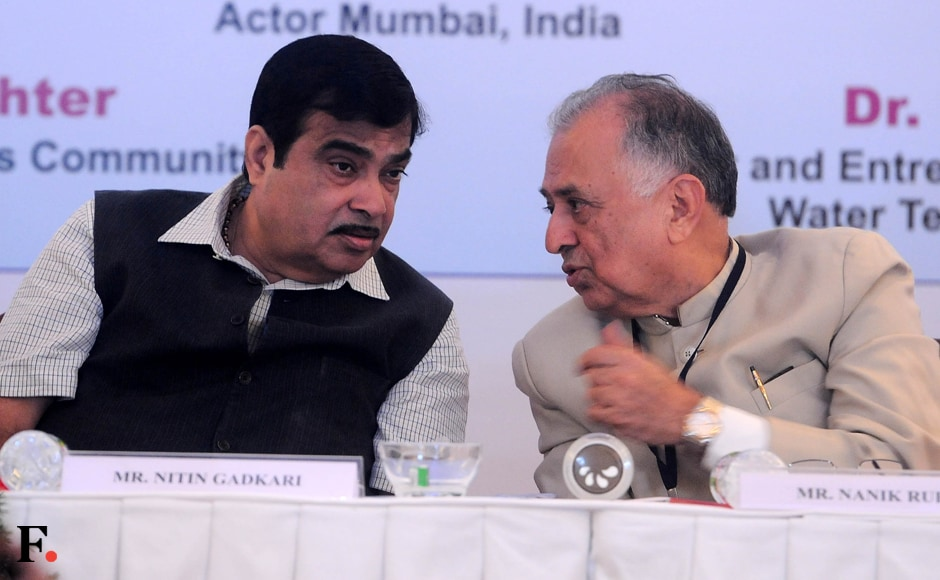 Nitin Gadkari and Nanik Rupani in conversation. Sachin Gokhale/Firstpost