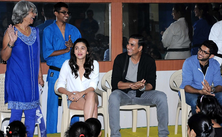 Alia and Akshay interact with members of the centre. Sachin Gokhale/Firstpost