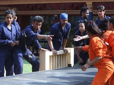 The contestants fight over the luxury task in Bigg Boss 10's episode 9