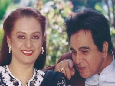 How Dilip Kumar Paid Saira Banu A Tweet Tribute On Their 50th Wedding Anniversary Entertainment News Firstpost