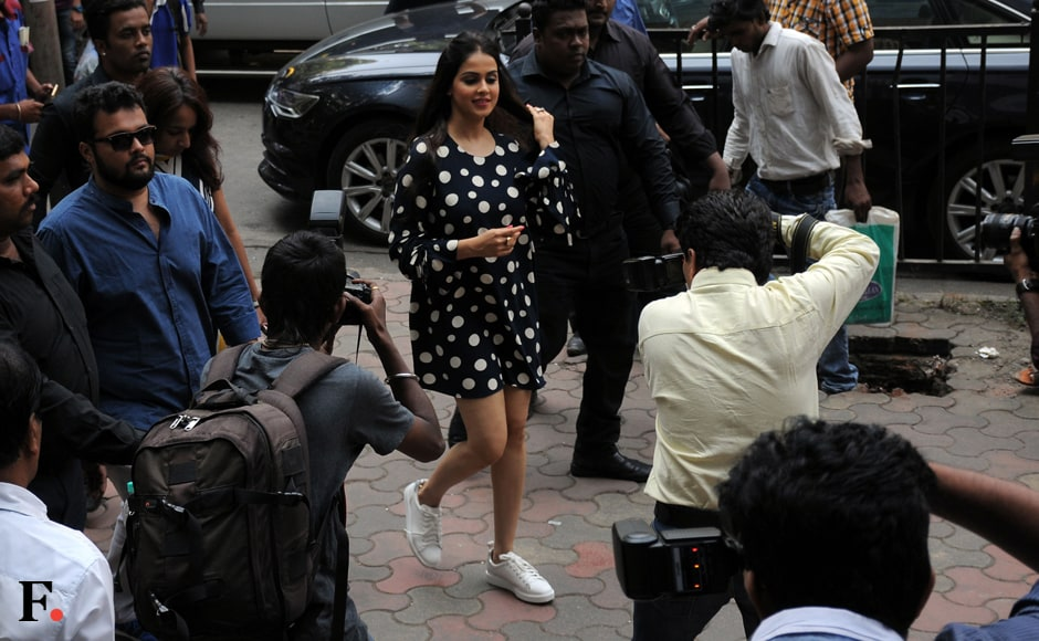 Actress Genelia D'Souza spotted at a Reliance Retail outlet in Prabhadevi, Mumbai. Sachin Gokhale/Firstpost