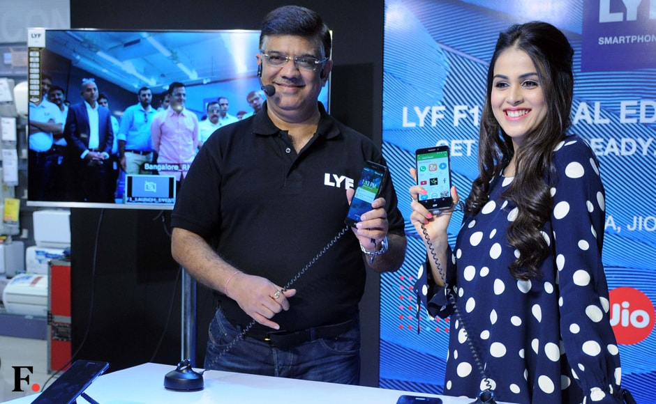 The actress unveiled Reliance Jio's special edition Lyf F1 smartphone with Sunil Dutt, President – Devices, Reliance Retail. Sachin Gokhale/Firstpost