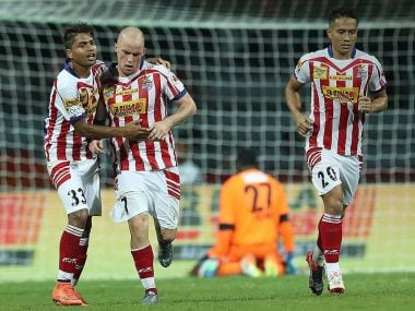 Atletico de Kolkata striker Iain Hume betted a late penalty to help his side to a 2-2 draw against Chennaiyin FC. Image Courtesy - Twitter@IndSuperLeague