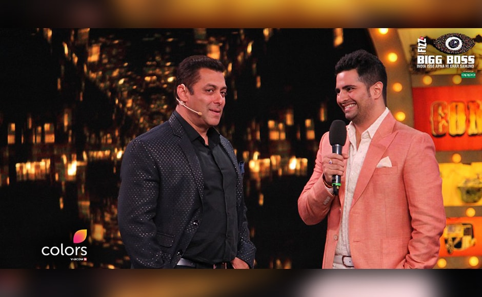 Karan Mehra and Salman Khan chat on stage after the former was introduced as one of the celebrity contestants