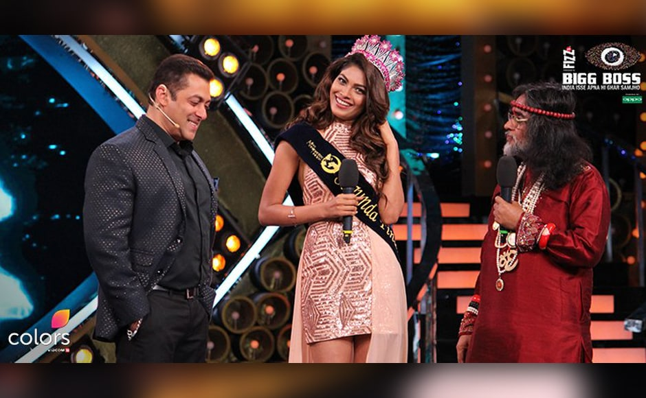 Lopamudra Raut shares a laugh with Salman Khan, as she is introduced as one of the contestants for Bigg Boss 10