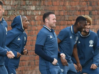 Manchester United players practice at the car park ahead of their clash against Liverpool. Image courtesy: iCelebTV.com