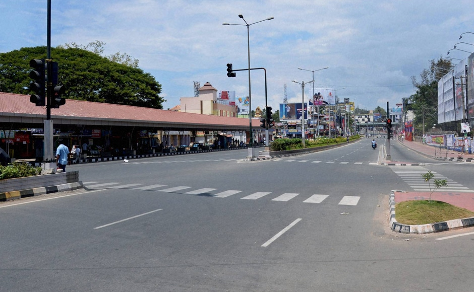 Shops remained closed, attendances in various government and private establishments were thin because public and private transport and buses remained off the road. Photo: PTI