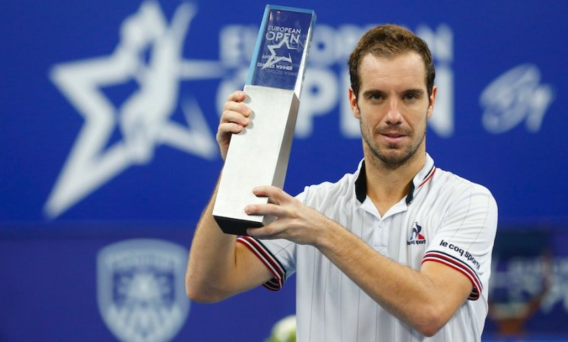 Richard Gasquet lifts his 14th ATP trophy at the inaugural European Open in Antwerp. Image courtesy: Twitter/@EuroTennisOpen