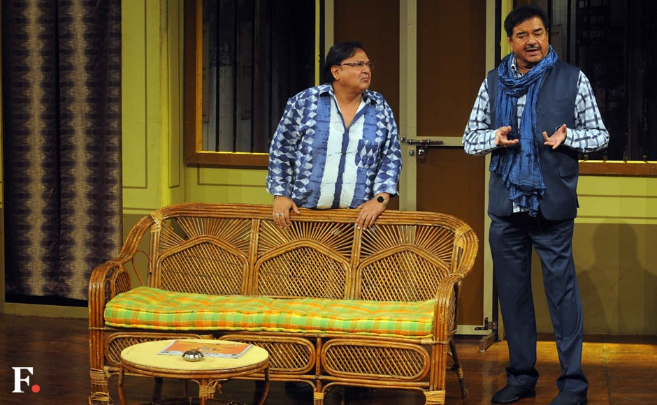 Rakesh Bedi and Shatrughan Sinha in the play. Sachin Gokhale/Firstpost