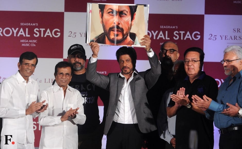 SRK shares the stage with directors Abbas-Mastan. Sachin Gokhale/Firstpost