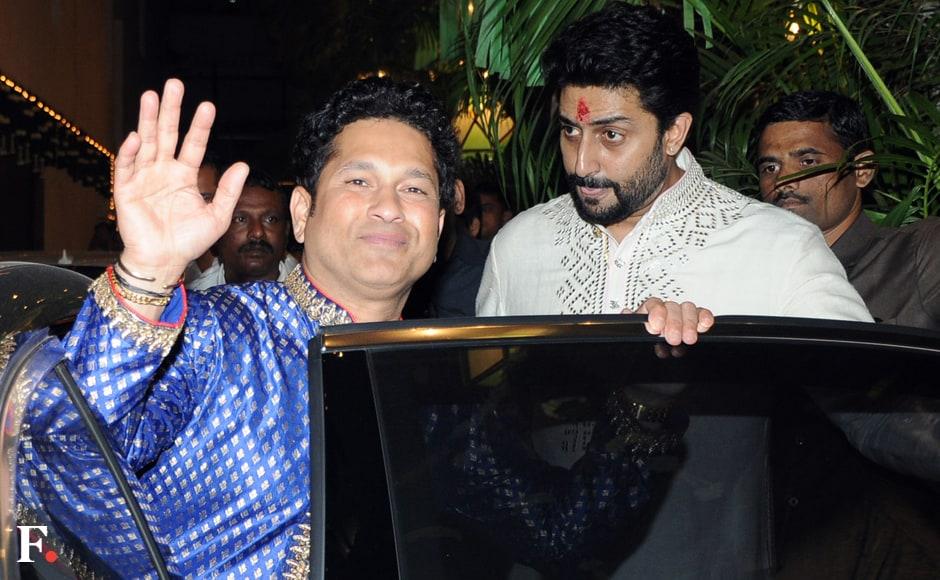 Sachin Tendulkar is greeted by Abhishek Bachchan. Image by Sachin Gokhale/Firstpost