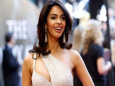 Mallika Sherawat tear-gassed and attacked in Paris; robbery suspected to be motive