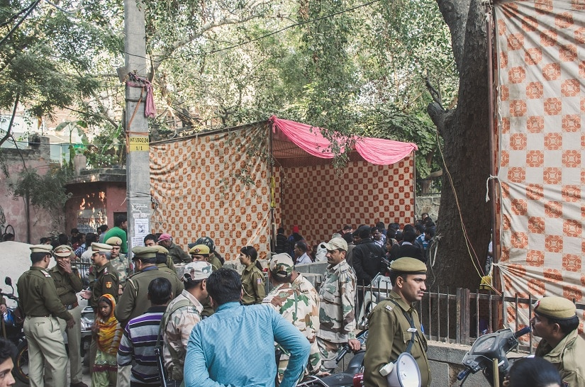 DDA set up camps to process the documents of residents and provide them eviction slips and agreements