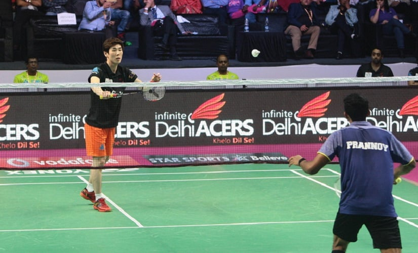 Mumbai Rocket's HS Prannoy in action. Image courtesy: pbl-india.com