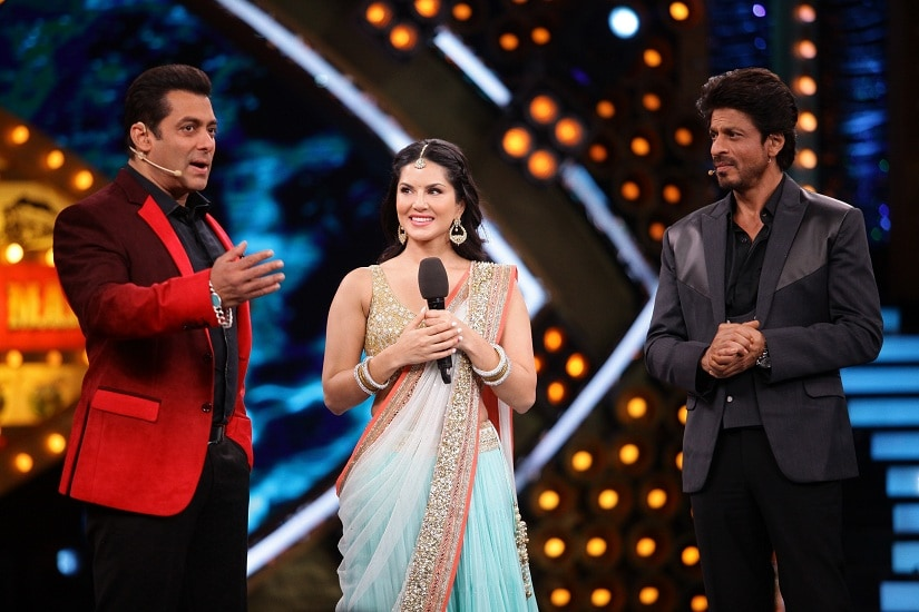 Salman Khan, Sunny Leone and Shah Rukh Khan on Bigg Boss Weekend Ka Vaar (1)