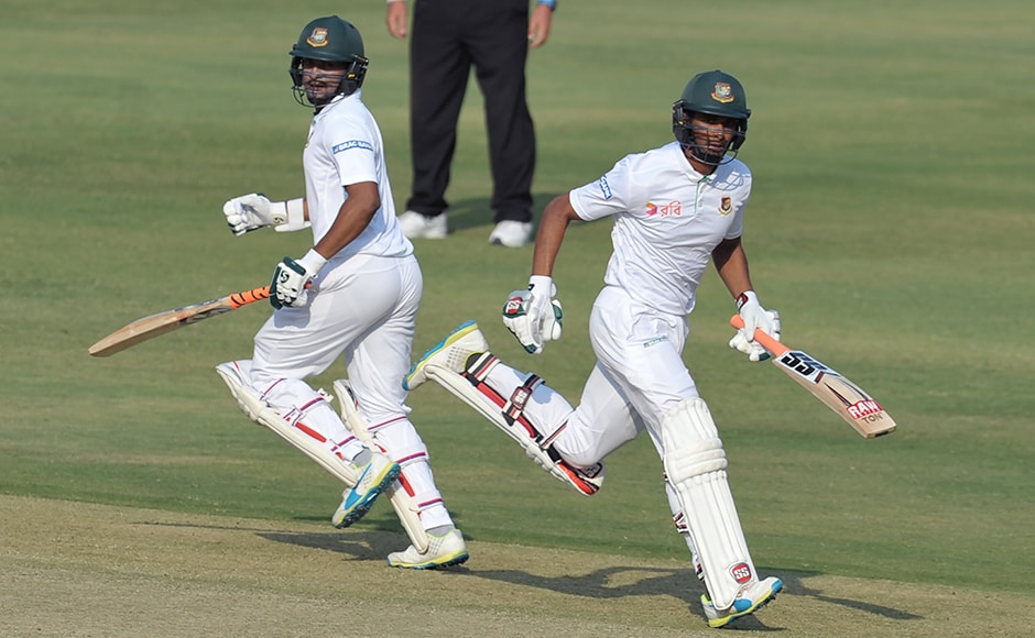 Bangladesh's Mahmudullah and Shakib Al Hasan managed to build a long partnership in the first inning on the third day.